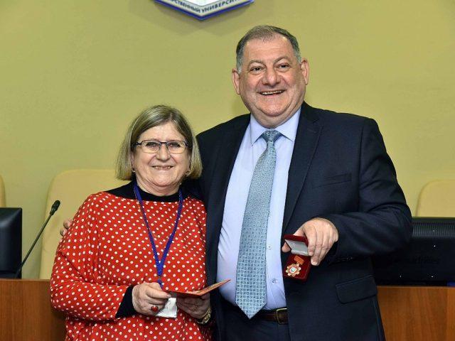 Anne Gabaud et le Professeur A.P. Gorbunov