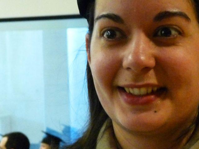 """Delphine Lachassagne : We developed numerous essential technical, scientific and cross-functional skills / Delphine : """"No hay que hacer una tesis por defecto, pero si decide hacerse hay que ir hasta el final"""""""