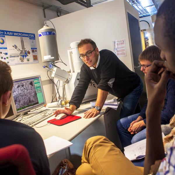 Choisissez votre master à la Faculté des sciences et techniques de l'Université de Limoges
